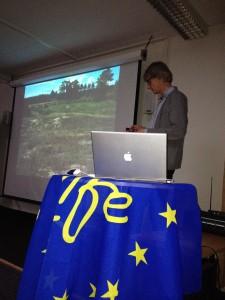 Pål Axel Olsson berättar om sandstäppens unika växter och rika insektsliv.